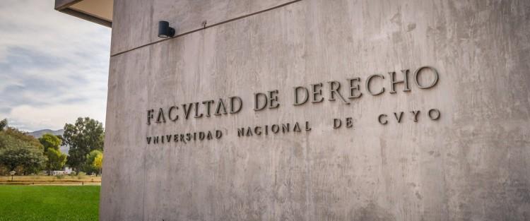 La Facultad de Derecho se encuentra en proceso de acreditación ante CONEAU