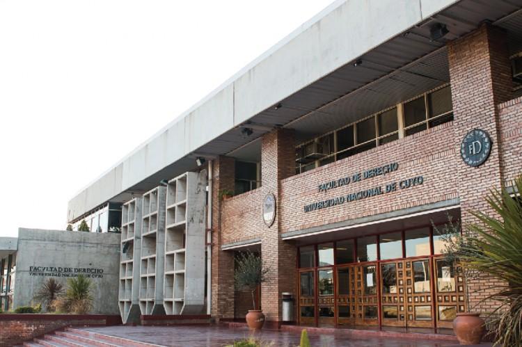 Acto de Asunción y Juramento del Decano y Vicedecana 2018-2022