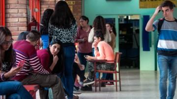 IMPORTANTE: Estudiantes Titulares Becas Ayuda Económica