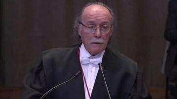La experiencia de un profesor como abogado internacional