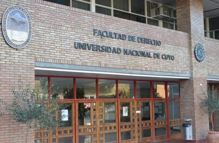 Lunes 17 de septiembre: Feriado académico por el Día del Profesor