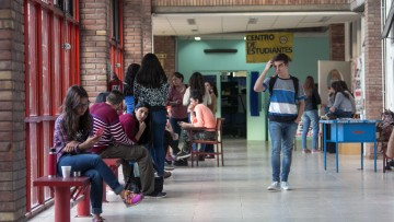 Becas de prestación de servicios para actividades académicas: Alumno Ayudante-Curso de Ingreso 2018