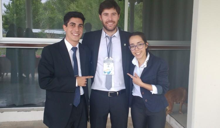 Facundo Heredia, Gonzalo Evangelista y Pilar Pérez representantes de la UNCUYO